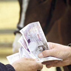 Uang dan Jual Beli
